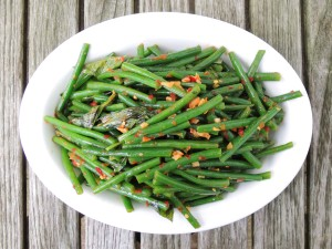 Vegetables, beans, French, blanched, Thai-style with chiles and basil 1