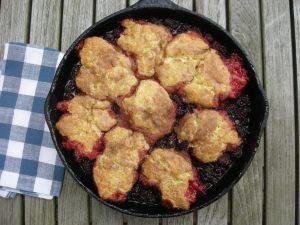 Desserts, fruit, baked, blackberry cobbler 1