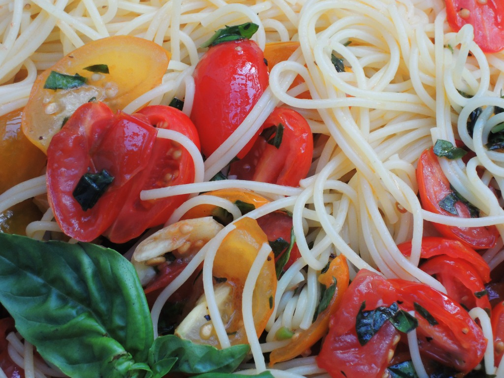 Pasta, capellini with basil and fresh tomatoes 2