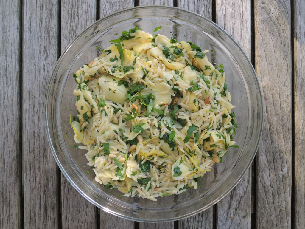 Pasta, orzo with artichokes and pine nuts 1