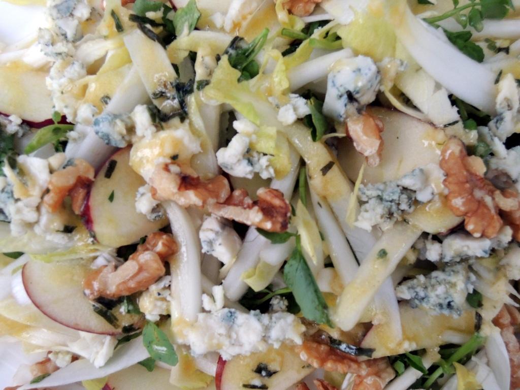 Salads, green, salade d'endive au roquefort (Belgian) 2