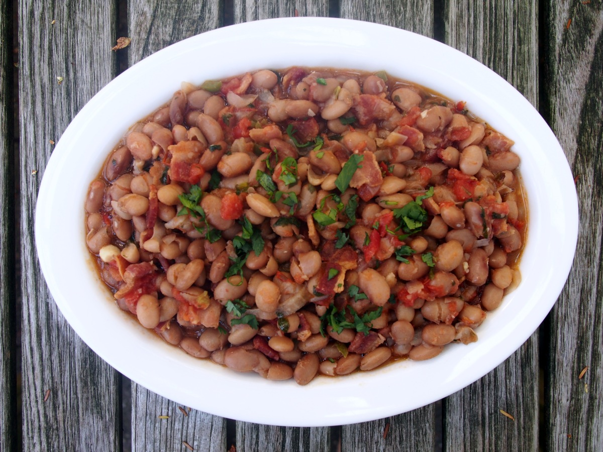 FRIJOLES BORRACHOS – The Weathered Grey Table