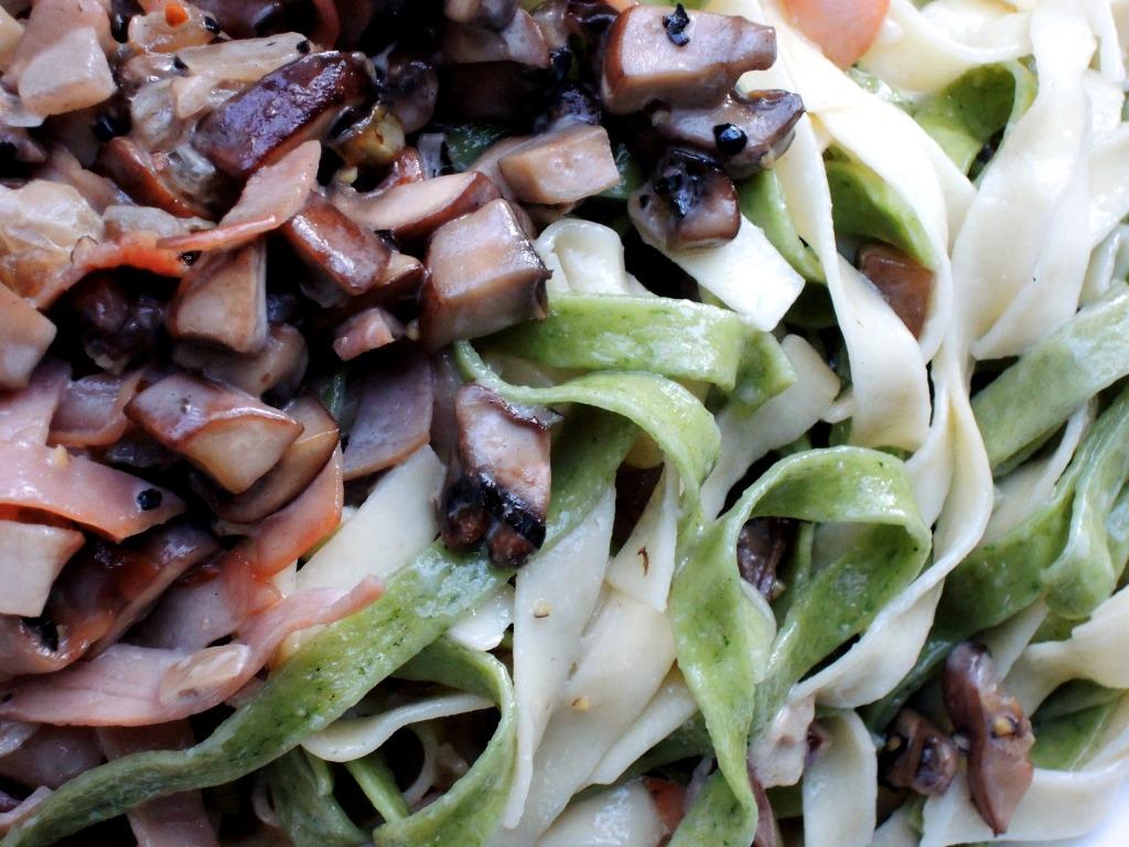 Pasta, fettuccine with ham and mushrooms (paglia e fieno) 2