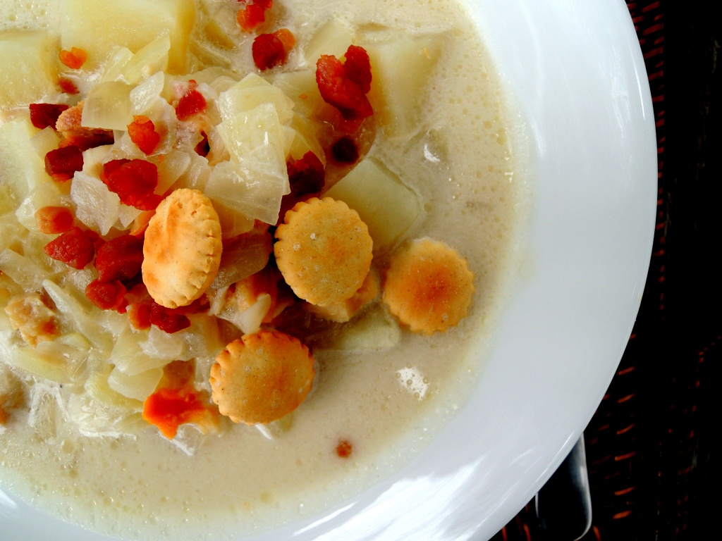 Soups, chowders, New England clam chowder 3