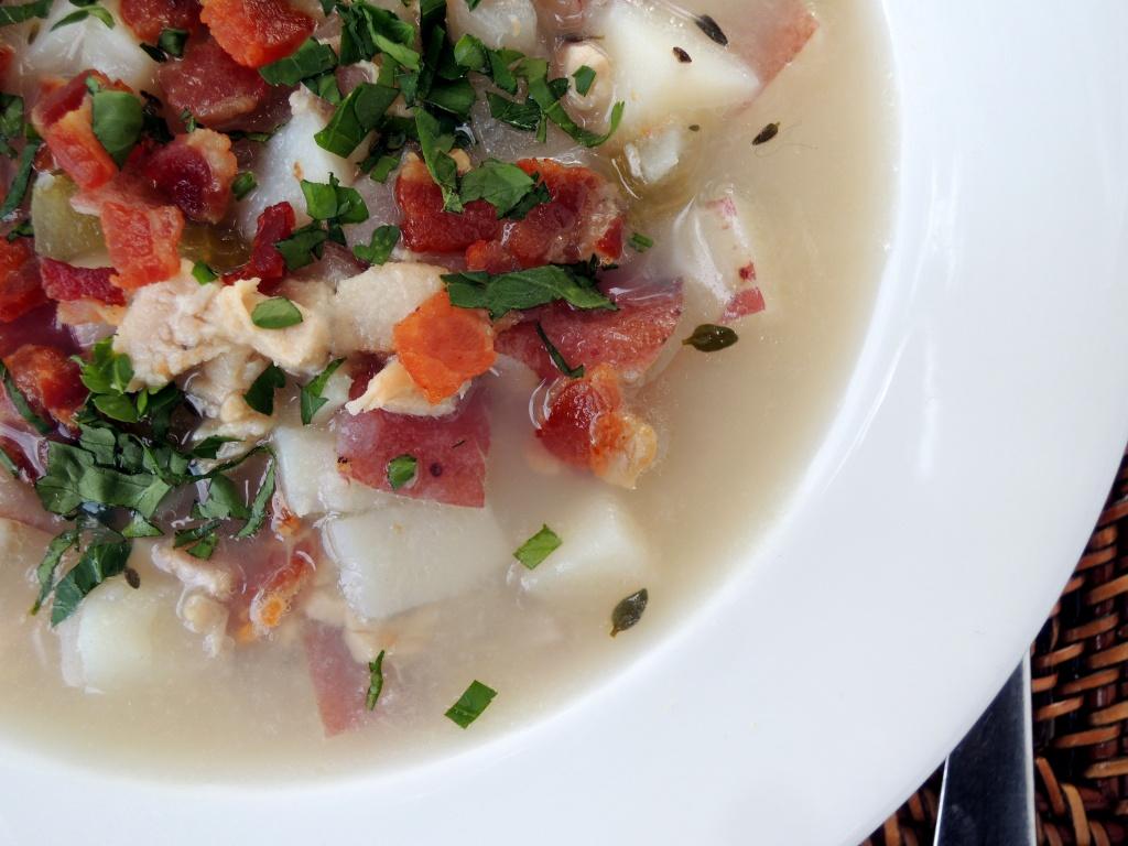 Soups, chowders, Rhode Island clam chowder 3