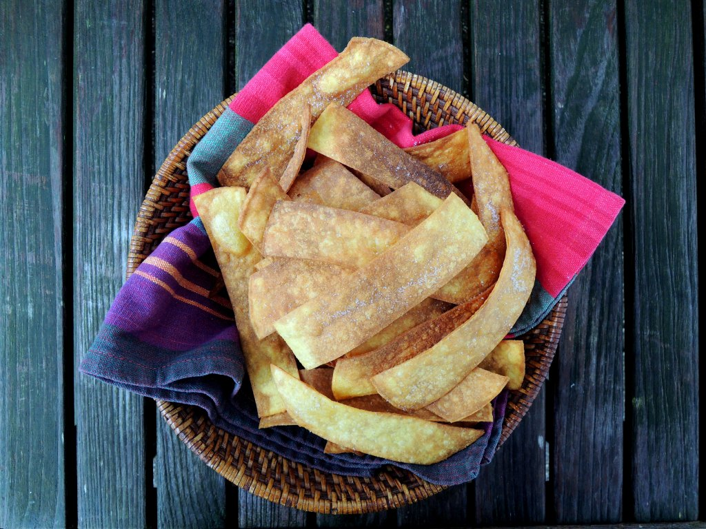 Appetizers, chips, crackers and other dunkers, tortilla chips 1