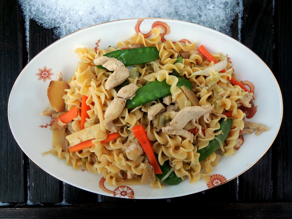 Pasta, egg noodles, Lomay's chicken chao mian 1
