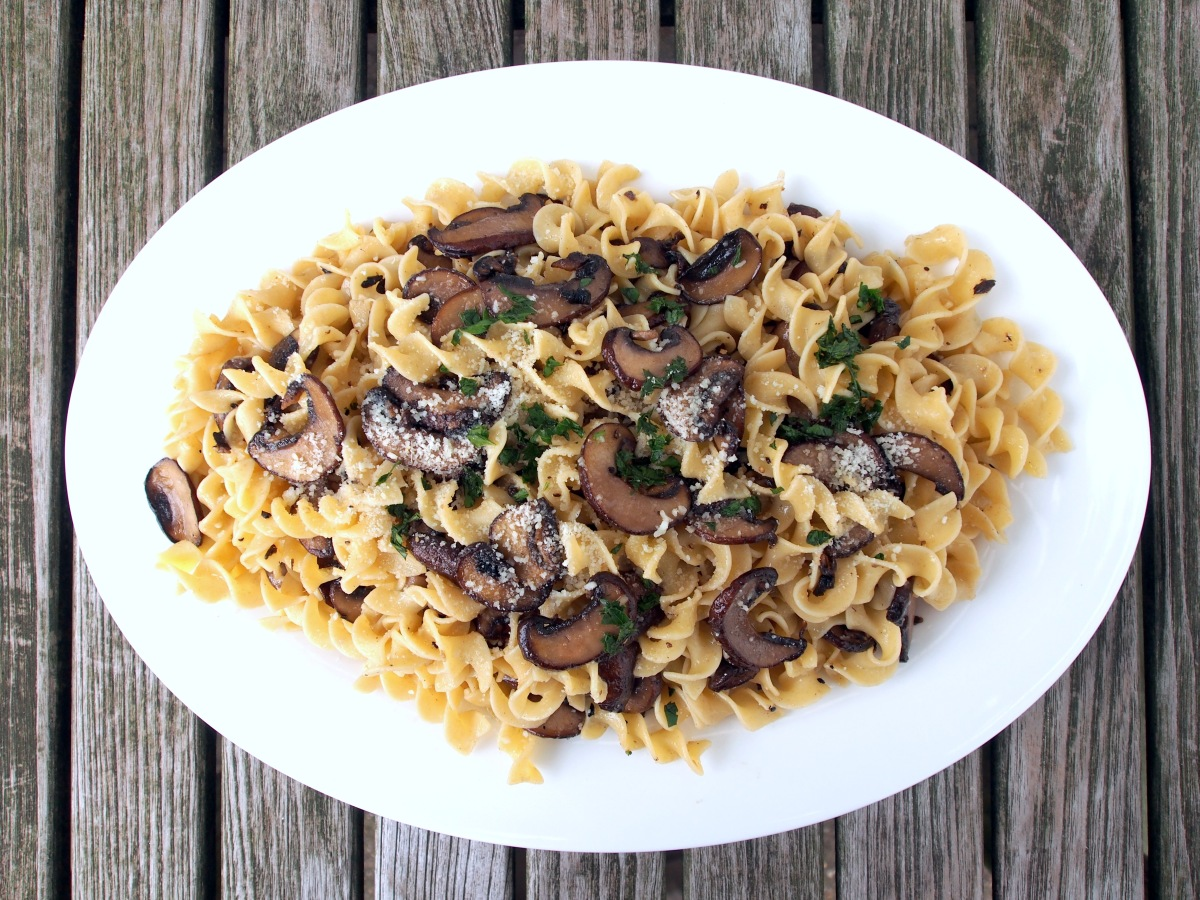 EGG NOODLES WITH ANCHOVIES AND MUSHROOMS – The Weathered ...