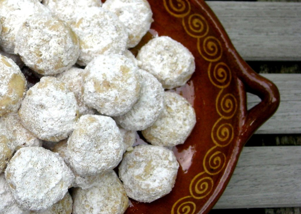 Desserts, cookies, Mexican tea cakes 2