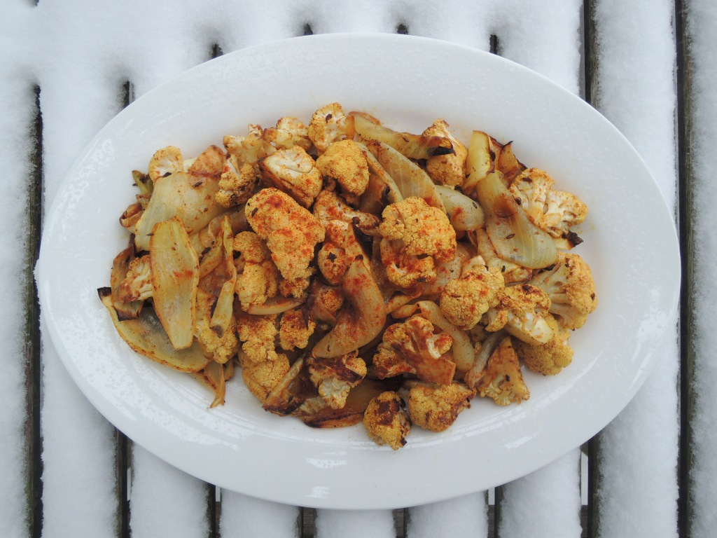 Vegetables, cauliflower, curried cauliflower with onions and paprika 1