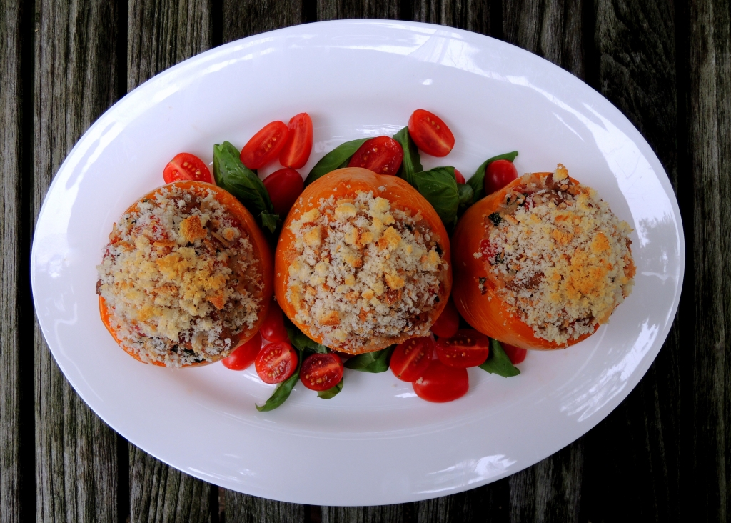 Vegetables, bell peppers stuffed with chicken, smoked mozzarella and basil 2