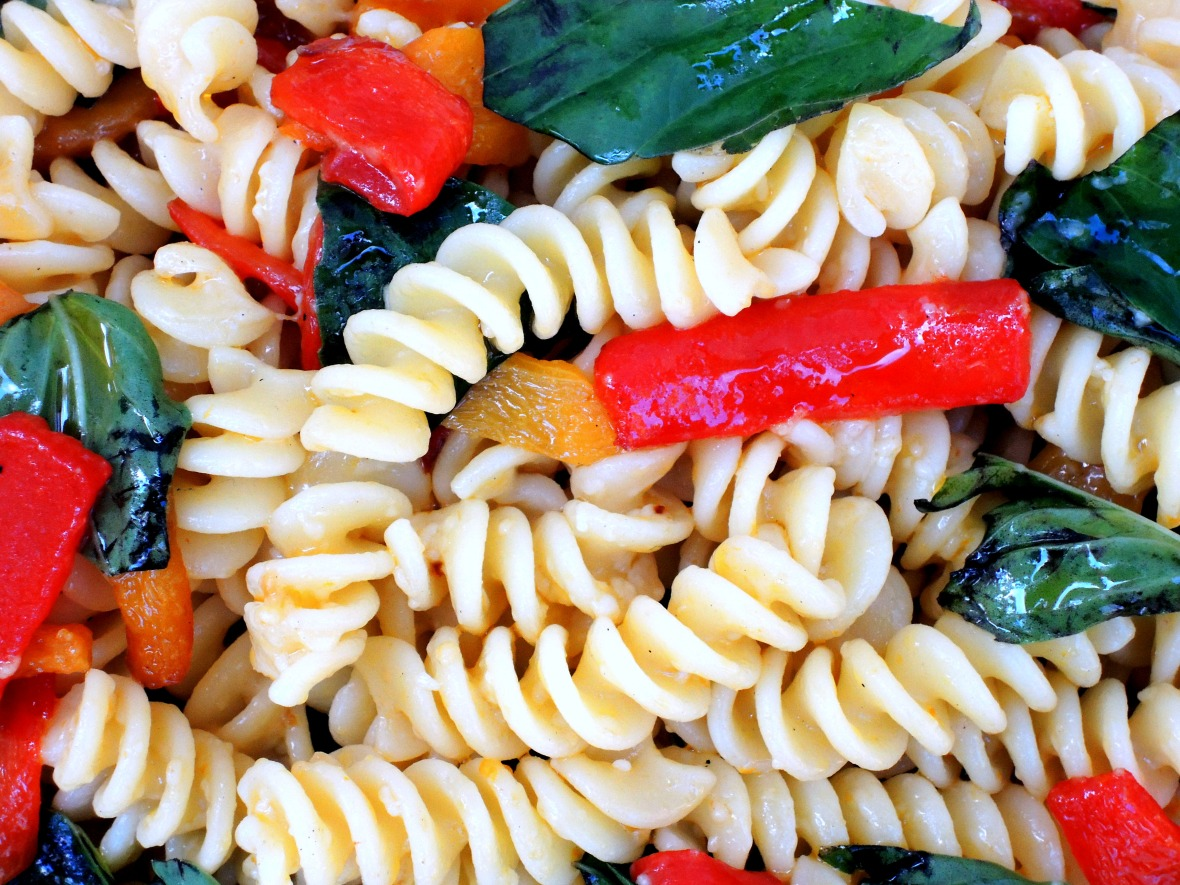 pasta-fusilli-with-red-and-yellow-peppers-2