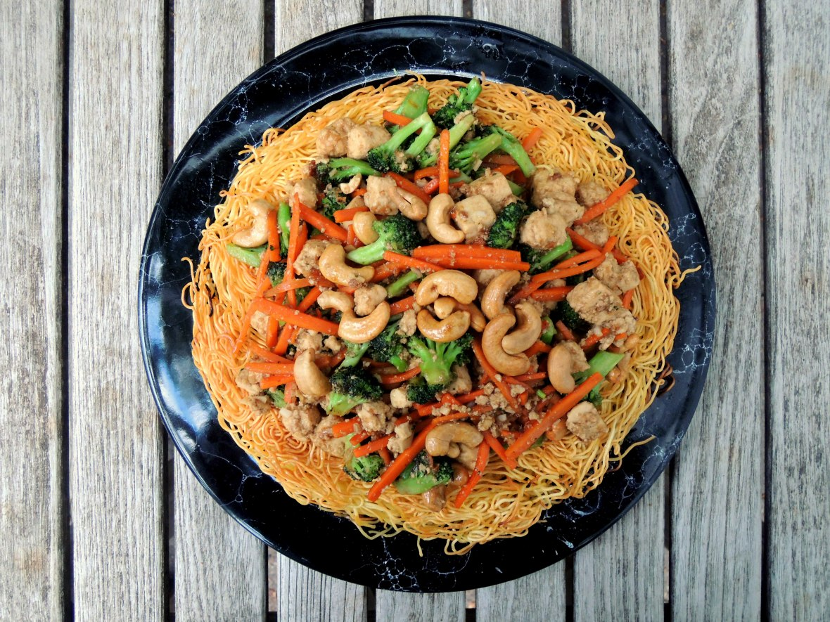 pasta-pan-fried-noodles-with-tofu-and-vegetables-1