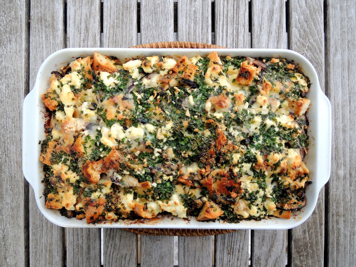 Eggs, strata with mushrooms and three cheeses 1