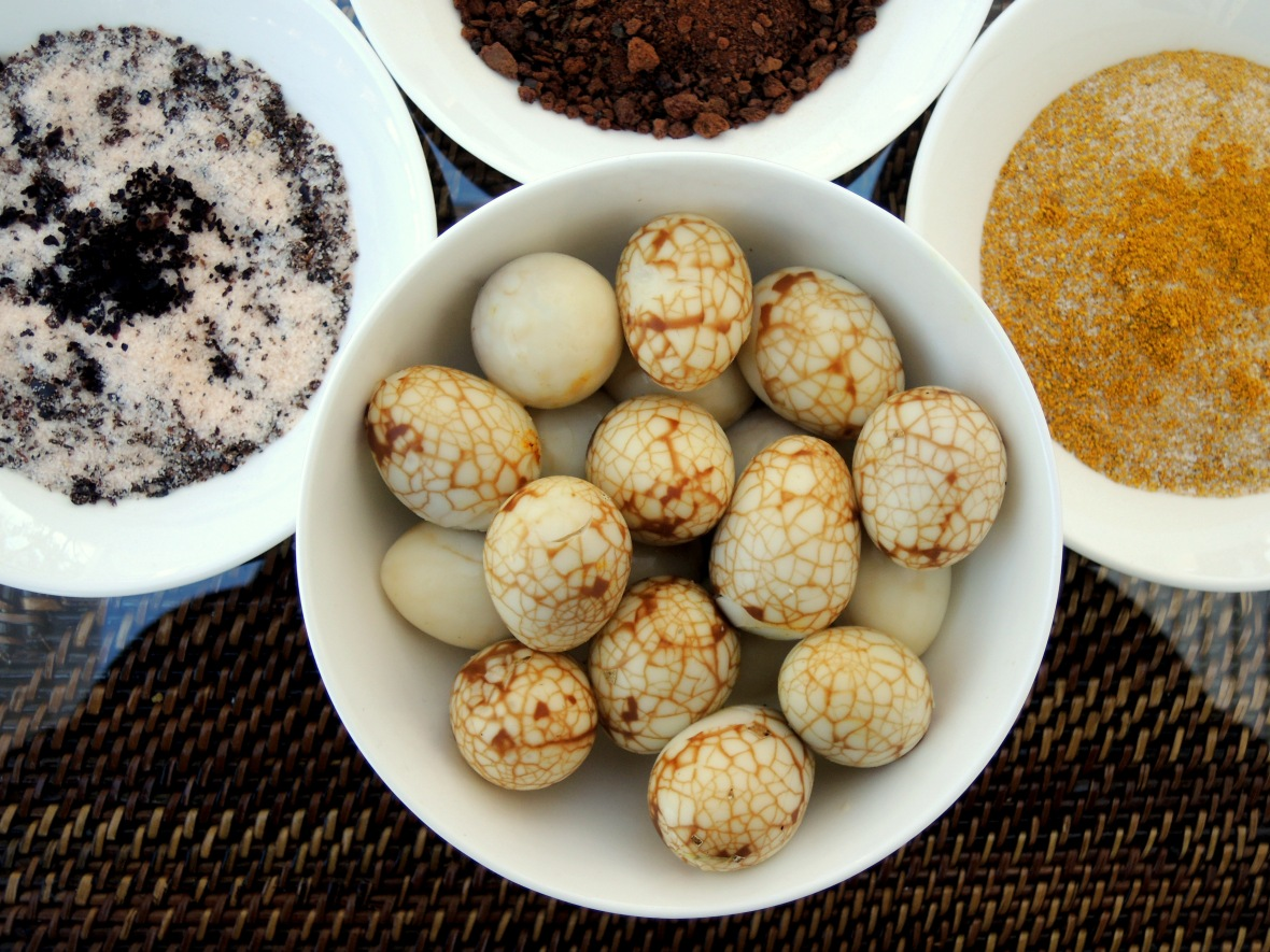 Appetizers, eggs, quail eggs, tea marbled quail eggs with dipping salts 1