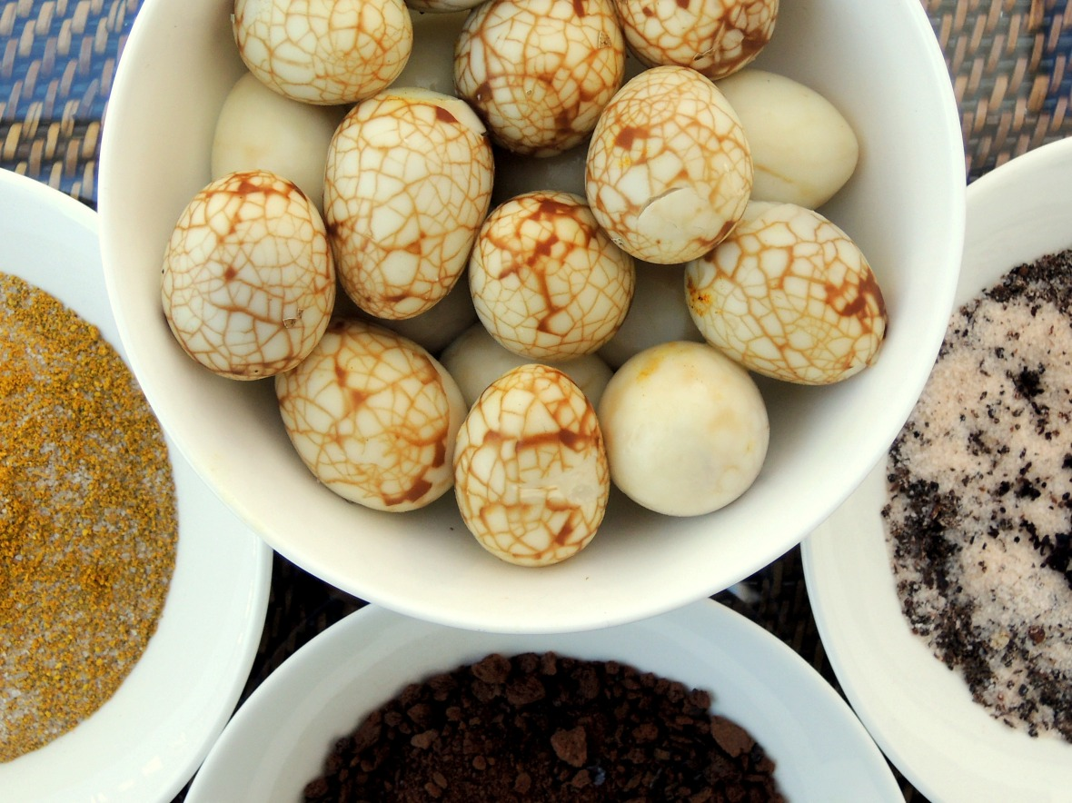 Appetizers, eggs, quail eggs, tea marbled quail eggs with dipping salts 2