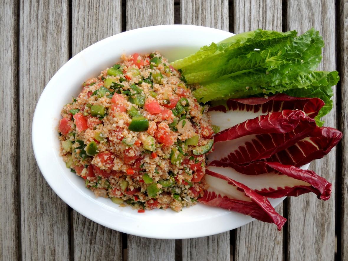 Appetizers, lettuce wraps, kisir (Turkish bulgur salad) 1