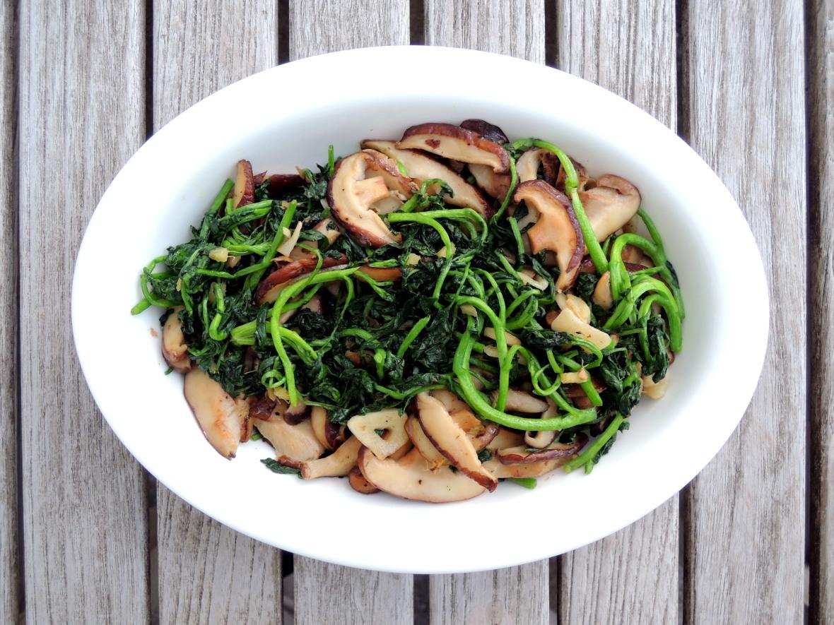 Vegetables, watercress, sauteed watercress with shiitake mushrooms 1