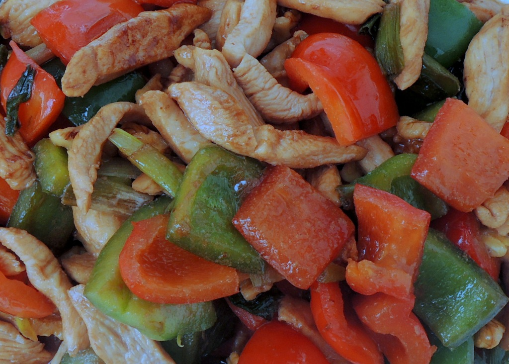 Stir-frys, Lomay's chicken with bell peppers and walnuts 3
