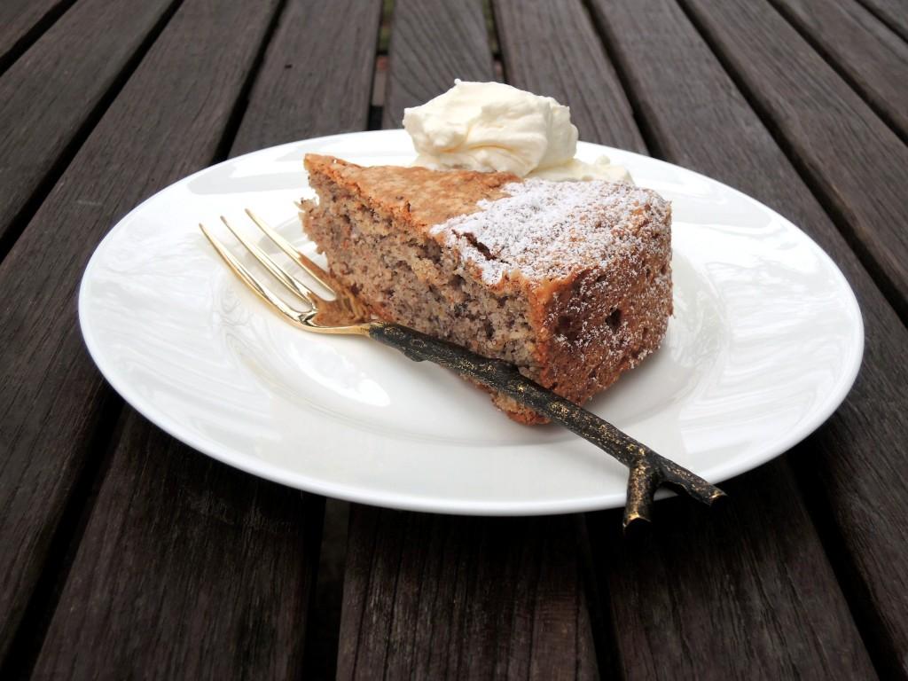 Desserts, cakes, tortes, torta di nocciola 4