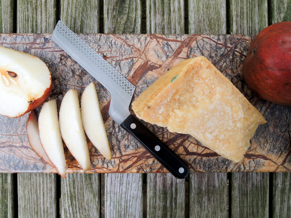 Desserts, cheese and fruit, pears and Parmigiano-Reggiano 3