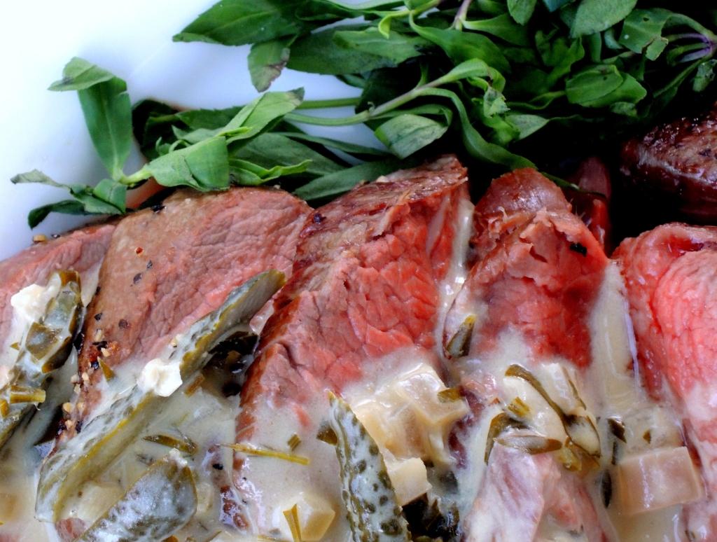 Beef, tenderloin, roasted with cornichon tarragon sauce 2