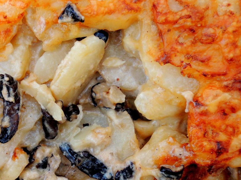 Vegetables, potato gratins, potato and wild mushroom gratin 4a