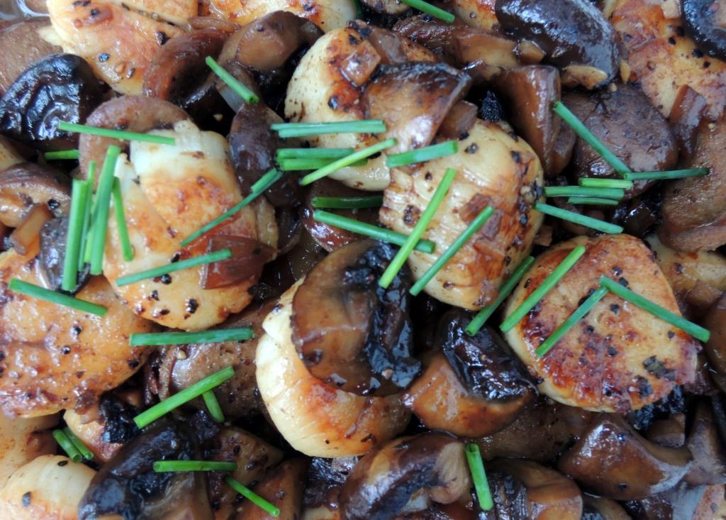 Scallops, pan-seared sea scallops with chorizo and mushrooms 2