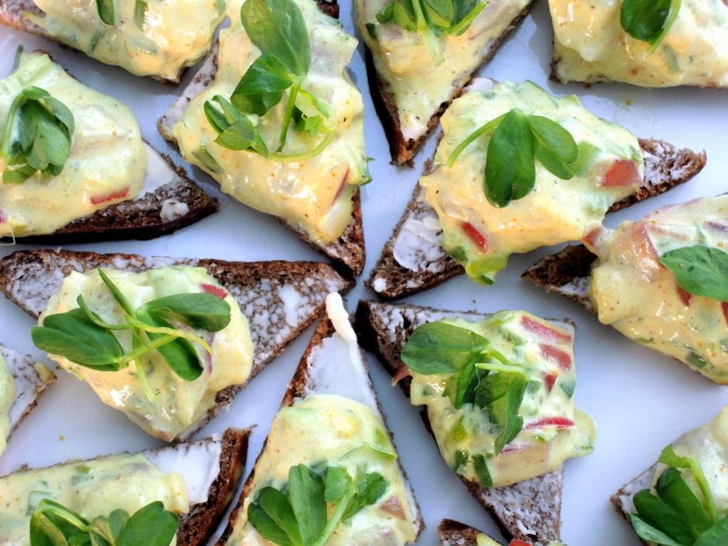 Appetizers, fish, curried herring on pumpernickel 3