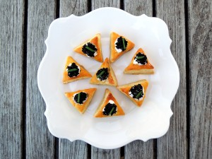 Appetizers, puff pastry, miniature vol au vents with caviar filling 1